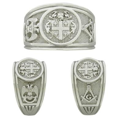 Custom Family Crest gents ring with Masonic side emblems.